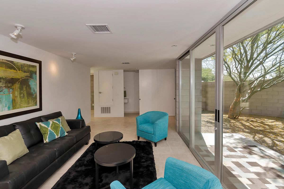 Contemporary downtown phoenix interior design by elle for Interior designer phoenix
